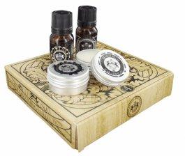 Zestaw prezentowy dla mężczyzn Dear Barber Mini Grooming  olejek do brody 10ml + woda toaletowa 10ml + wosk do wąsów 15ml + balsam do brody 15ml