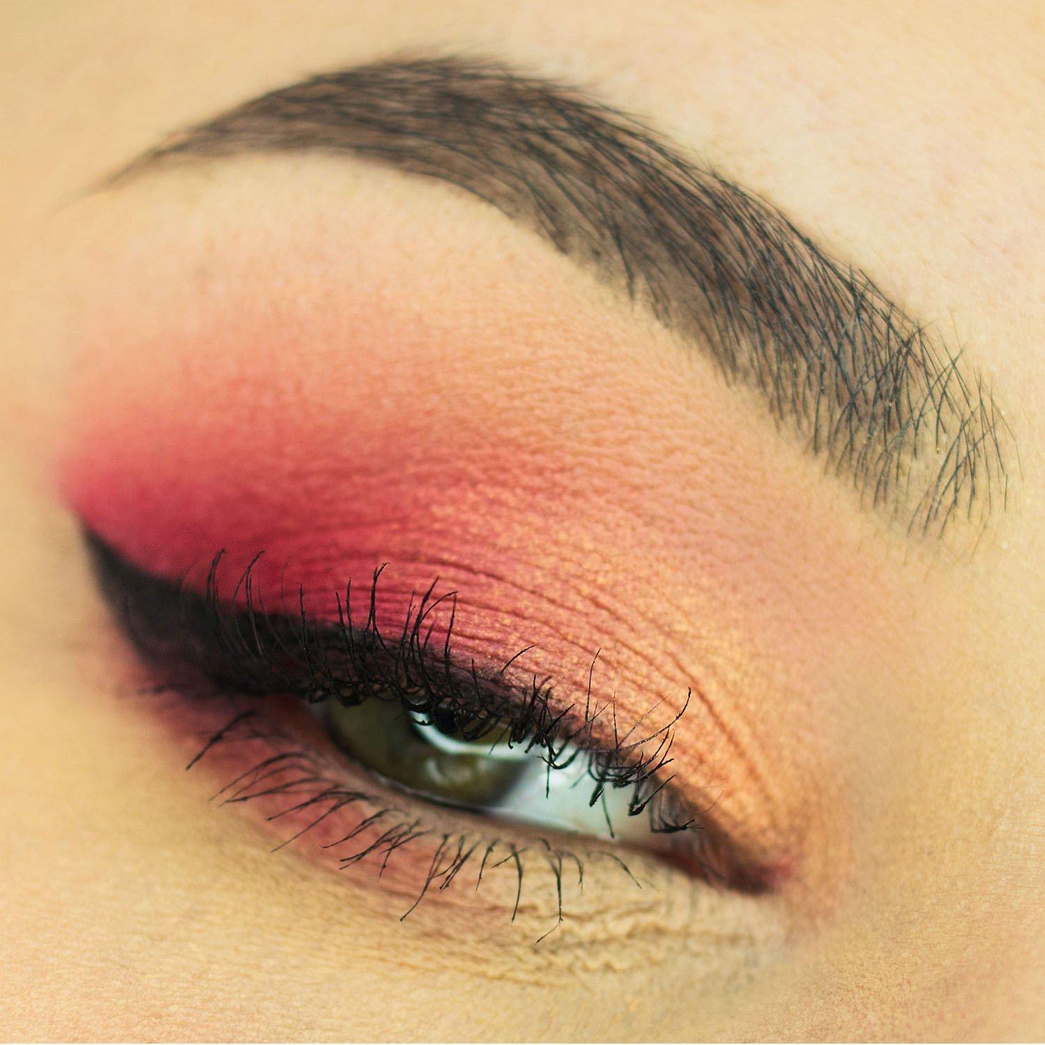 makijaż szara tęczówka